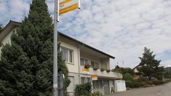 Voraussichtlich im Frühjahr 2016 wird diese Poststelle an der Poststrasse in Bözen geschlossen. Die Liegenschaft ist in Privatbesitz. CM