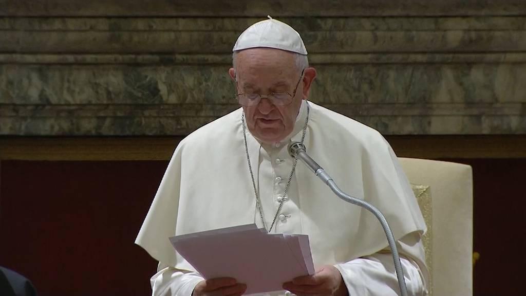 Wegen Onlinepornos: Papst nimmt Tech-Firmen ins Gebet