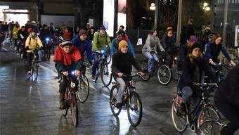 Radeln für mehr Klimaschutz: Im März fand in Chur eine Velo-Demonstration statt, morgen Samstag ist eine Sternfahrt im Aargau geplant.