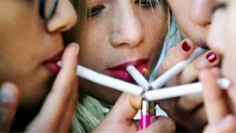 Auch die Minderjährigen von heute sollen Rauchen cool finden.