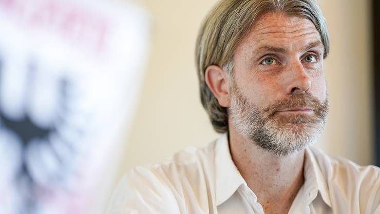 FCA-Cheftrainer Stephan Keller gilt als Fussballprofessor. Im Interview wird deutlich warum.
