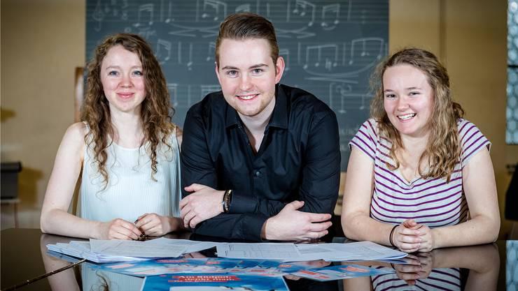 Haben geholfen, die Musik für «Am Südpol, denkt man, ist es heiss» zu komponieren: (v.l.) Jana Seebass, Dominik Merz und Isabel Adarraga. Sandra Ardizzone