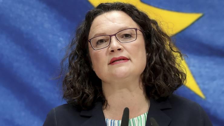 Einst bezeichnet als «Gottes Geschenk an die SPD» stürzt Andrea Nahles Rücktritt aus der SPD die Partei in eine noch tiefere Existenzkrise.