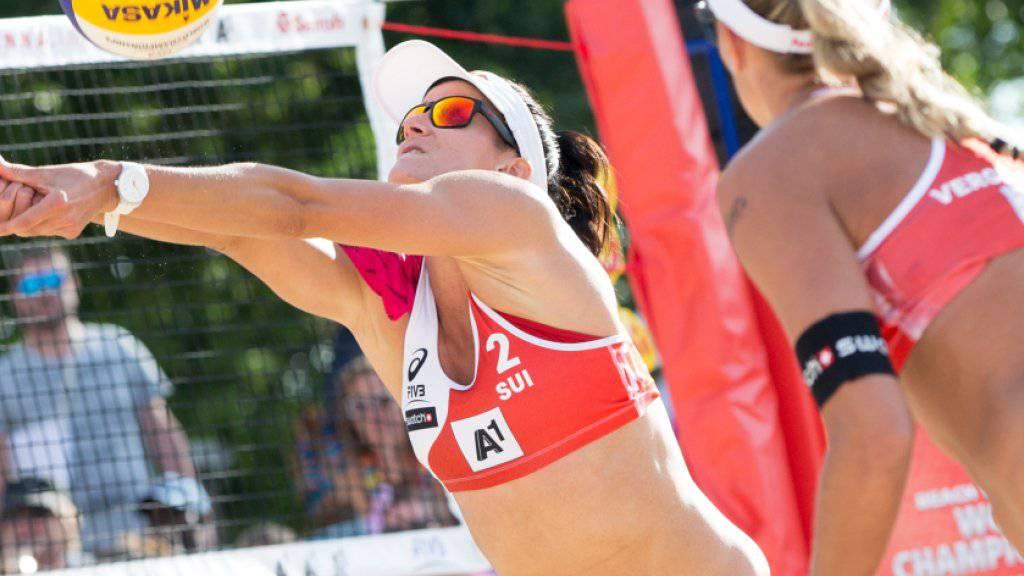 Anouk Vergé-Dépré (rechts) und Joana Heidrich verloren ihren Achtelfinal gegen die Brasilianerinnen Larissa/Talita in zwei Sätzen und schieden damit aus