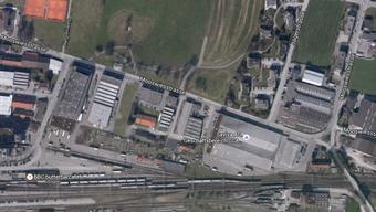 An der Mooswiesstrasse wurde die brennende Palette entdeckt.