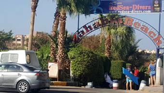 Der Eingang zu einem der zwei Resorts, in dem der Messerstecher zwei Deutsche tötete.