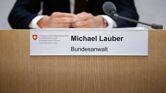 Während der Amtszeit von Bundesanwalt Michael Lauber kam es bei der Bundesanwaltschaft zu Unregelmässigkeiten bei der Beschaffung von Aufträgen, so die Eidgenössische Finanzkontrolle EFK.
