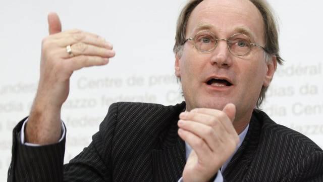 Nationalrat Yves Nidegger (SVP/GE) bestätigte das Referendum