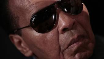 Der vor einem Jahr verstorbene Boxer Muhammad Ali hinterliess 80 Millionen Dollar und mindestens neun Kinder. Sein Stammhalter Muhammad Ali Jr. hat angeblich nur 7000 Dollar geerbt und nagt am Hungertuch. (Archivbild)