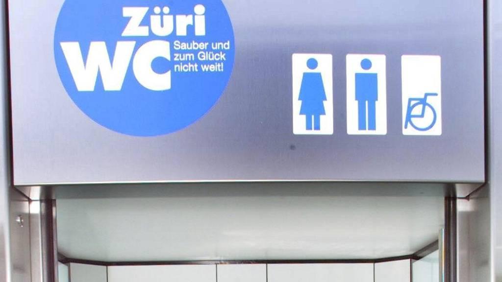 Unbekannte Person stirbt in brennendem Toilettenhäuschen