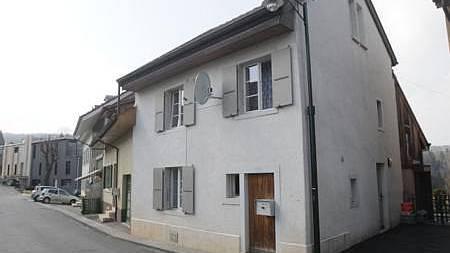 Das Haus an der Schindelhofstrasse 18 in Röschenz wurde umfassend saniert und ist nun wieder bewohnt