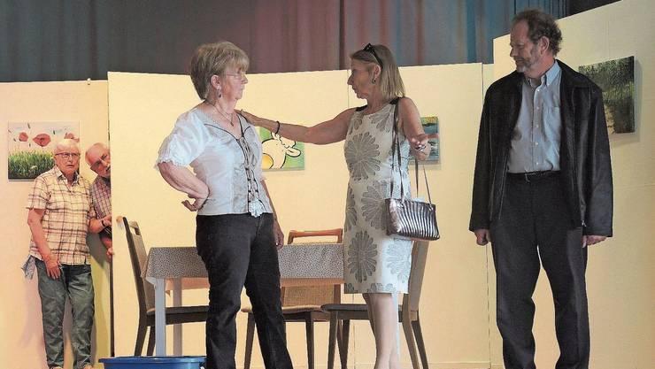 Aktuell ist die Seniorentheatergruppe Herbschtrose mit dem Stück «D Geischter vom Lindehof» unterwegs.