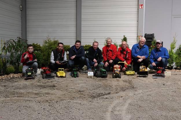 In Effingen wird 2019 der schweizweit grösste Parcours für Agromodelle organisiert. Verantwortlich dafür ist OK-Mitglied Martin Pfister (rechts).
