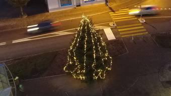 Der Weihnachtsbaum auf dem Bärenplatz Fahrwangen vom letzten Jahr