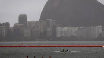 In der  Lagoa Rodrigo de Freitas finden die Wettkämpfe der Regatta-Kanuten statt