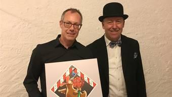 Jean Marmier mit Markus Schär (rechts) an der Plaketten-Vernissage im Rathauskeller in Büren.