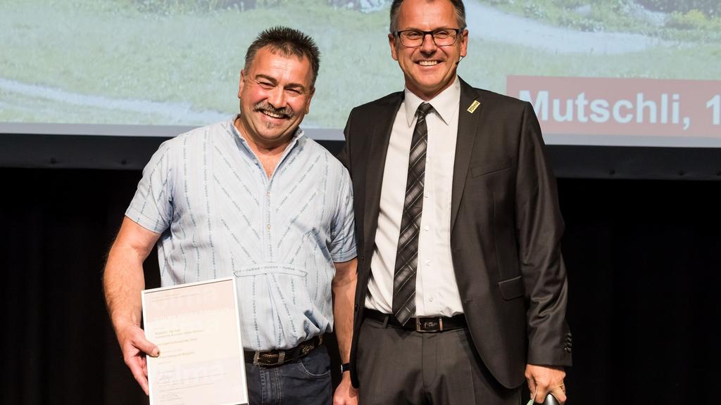 Josef Schumacher aus Mels (l.) gewinnt in der Kategorie «Mutschli» den ersten Preis