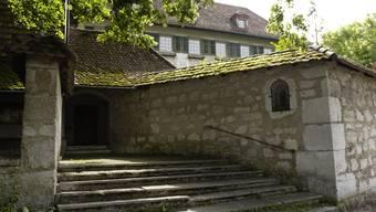 Künftig einmal ein Hoteleingang oder der Zugang zu neuen Wohnungen hinter den alten Klostermauern?