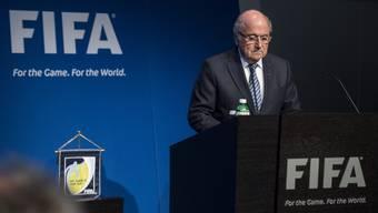 Paukenschlag bei der Fifa: Blatter gibt seinen Rücktritt bekannt.