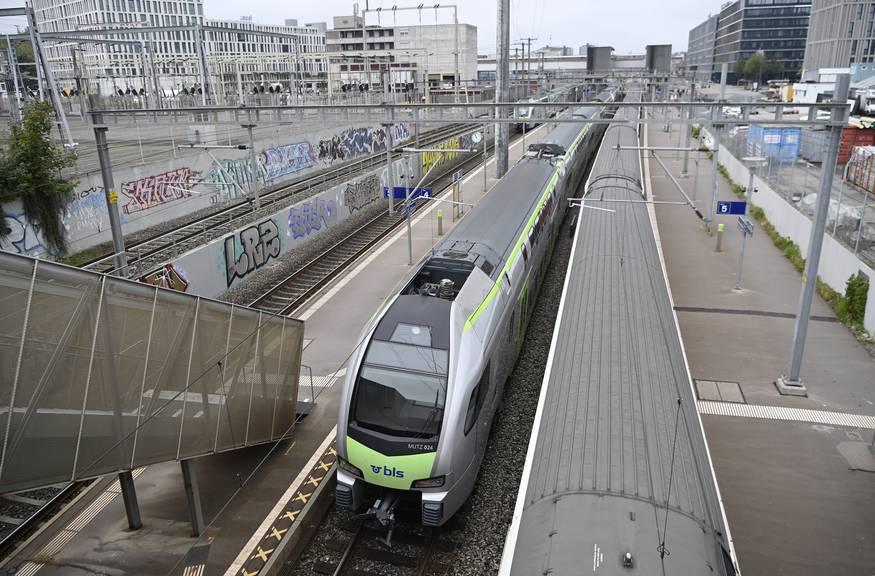 In Bern Wankdorf stehen die Züge still. Der Bahnhof Bern kann derzeit nicht von Osten angefahren werden.