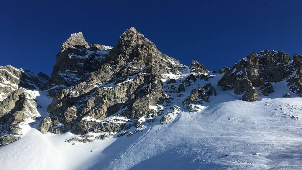 Skitourengänger stürzt hundert Meter in die Tiefe