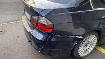 In Baden brach einem abbiegenden BMW das Heck aus.