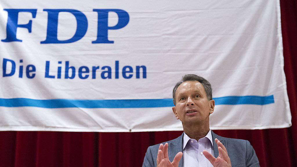 «Wir müssen uns den Realitäten stellen und die Grenzkontrollen massiv intensivieren», sagt FDP-Präsident Philipp Müller zur Flüchtlingskrise in Europa. (Archivbild)