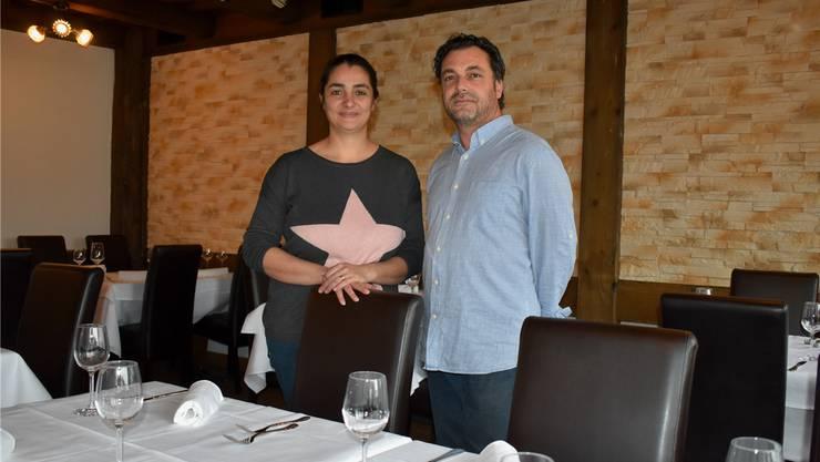 Agatina und Daniele Ieraci stecken in den Vorbereitungen für die Eröffnung der «Sonne» – der Saal ist schon fertig. nbo