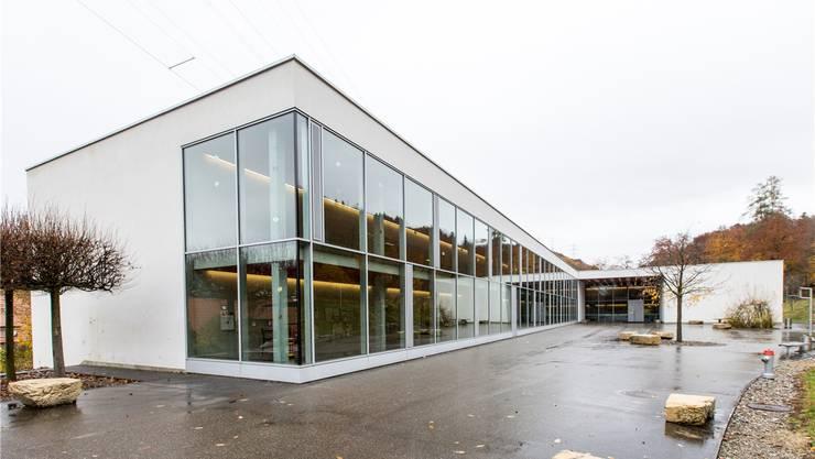 Wo heute noch Oberstufenschüler die Schulbank drücken, könnten ab 2021 Schüler der Heilpädagogischen Schule Fricktal unterrichtet werden.