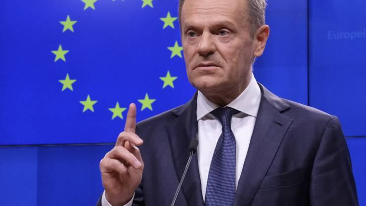 EU-Ratspräsident Donald Tusk will sich bei den EU-Staats- und Regierungschefs für eine Brexit-Verschiebung einsetzen, falls London dies für nötig hält. Dies erklärte Tusk am Donnerstag auf dem Kurznachrichtendienst Twitter.