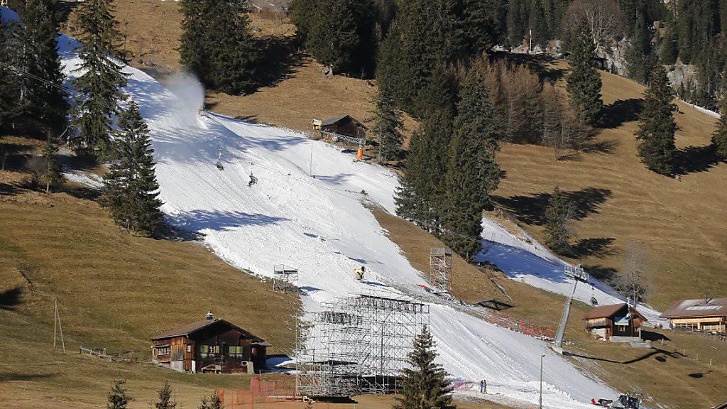 Die Natur forderte die Skigebiete heraus: Im Dezember hatte es zu wenig Schnee (Bild). Die Einbussen vermochten auch die besseren Monate Januar und Februar nicht wettmachen.