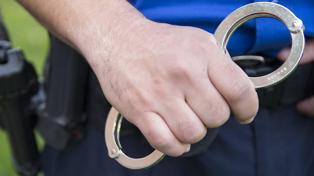 Drei Jugendliche ausgeraubt und zusammengeschlagen