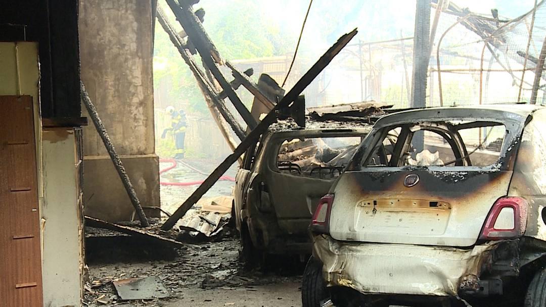 Zweifacher Totalschaden nach Schopfbrand in Solothurn