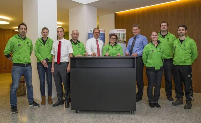 Gehen eine längerfristige Partnerschaft ein: Raiffeisenbank Aeschi-Buchsi und der Turnverein Herzogenbuchsee.