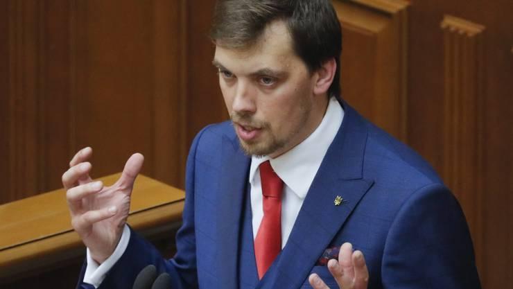 Erst 35 Jahre alt und schon Regierungschef der Ukraine: Alexej Hontscharuk vor dem Parlament in Kiew.