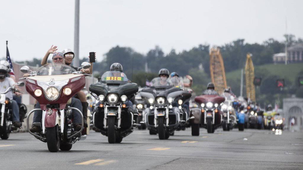 Bikerparade zu Ehren von US-Veteranen
