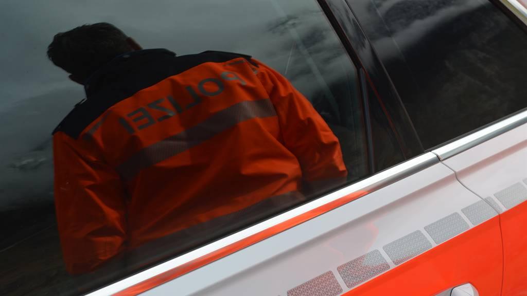 Falsche Polizisten: Frau wird um 15'000 Franken betrogen