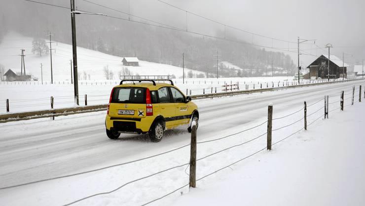 Winterreifen sollten frühzeitig montiert werden.