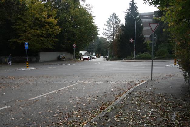 Bei der Einmündung der Frank-Buchser-Strasse bleibt es bei «Kein Vortritt»