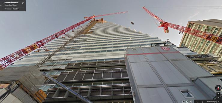 Bei gewissen Aufnahmen ist «aktuell» nicht gleich «aktuell» - das Foto vom September 2014 zeigt den Roche-Turm immer noch als Baustelle.