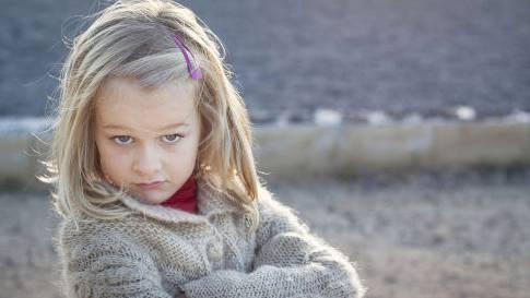 """Viele Eltern halten ihren Nachwuchs für """"Gottes Geschenk an die Menschheit"""" - und ziehen so einer Studie zufolge Narzissten auf. Das schadet nicht nur den Kindern, sondern auch der Gesellschaft."""