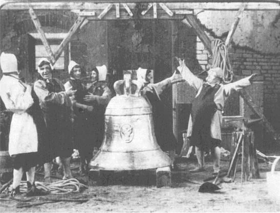 Ebenfalls in Joyes reicher Sammlung: «Die Glocke», künstlerische Bilder aus Schiller's Glocke, 1901, Italien, Cines.
