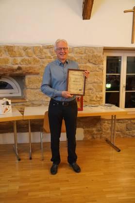 Für 40 Jahre Engagement wurde Willy Rüede geehrt. Er erhielt eine Ehrenurkunde und eine wertvolle Flaschenpost