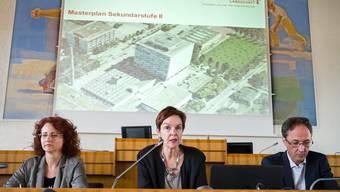 Die Baselbieter Bildungsdirektorin Monica Gschwind (Mitte) präsentierte gestern Abend ihren Masterplan Sek II.