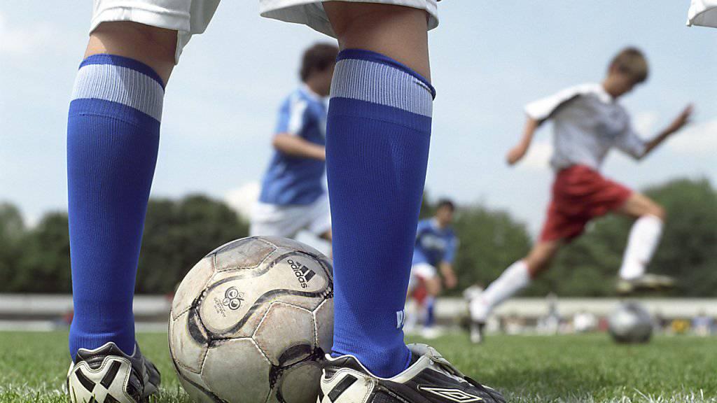 Fussball und andere Sportarten sind oftmals eine letzte Bastion des Rassismus in der Schweiz und anderswo. (Symbolbild)