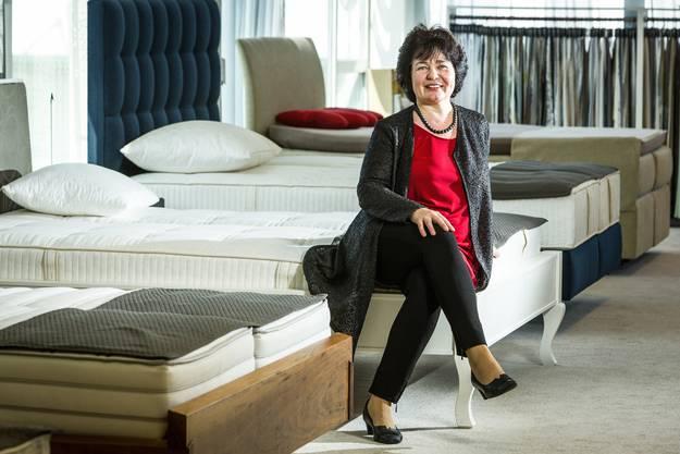 Bea Weber in ihrem Bettenhaus gutschlafen.ch; noch an der alten Adresse in Birr, seit einem Jahr ist das Geschäft in Wildegg.
