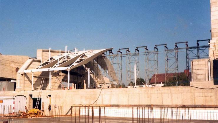 Der grosse Saal befand sich 1987 im Bau, entworfen worden war er vom spanischen Architekten Santiago Calatrava. zvg