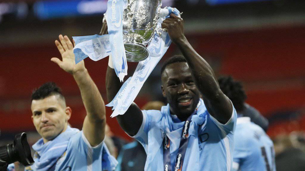 Mit Manchester City dreimal englischer Meister: Yaya Touré (re.)