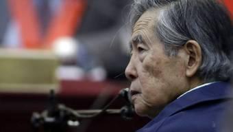Ex-Präsident Alberto Fujimori war wegen schwerer Menschenrechtsverletzungen zu einer Haftstrafe von 25 Jahren verurteilt worden. (Archivbild)