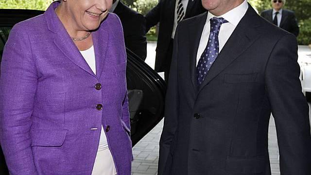 Gute Laune: Merkel und Medwedew
